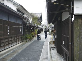 Street atmosphere that makes one feel like you are in a time slip to the Edo Period